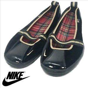 NIKE Black Patent Leather & Velvet Mary Jane Flats